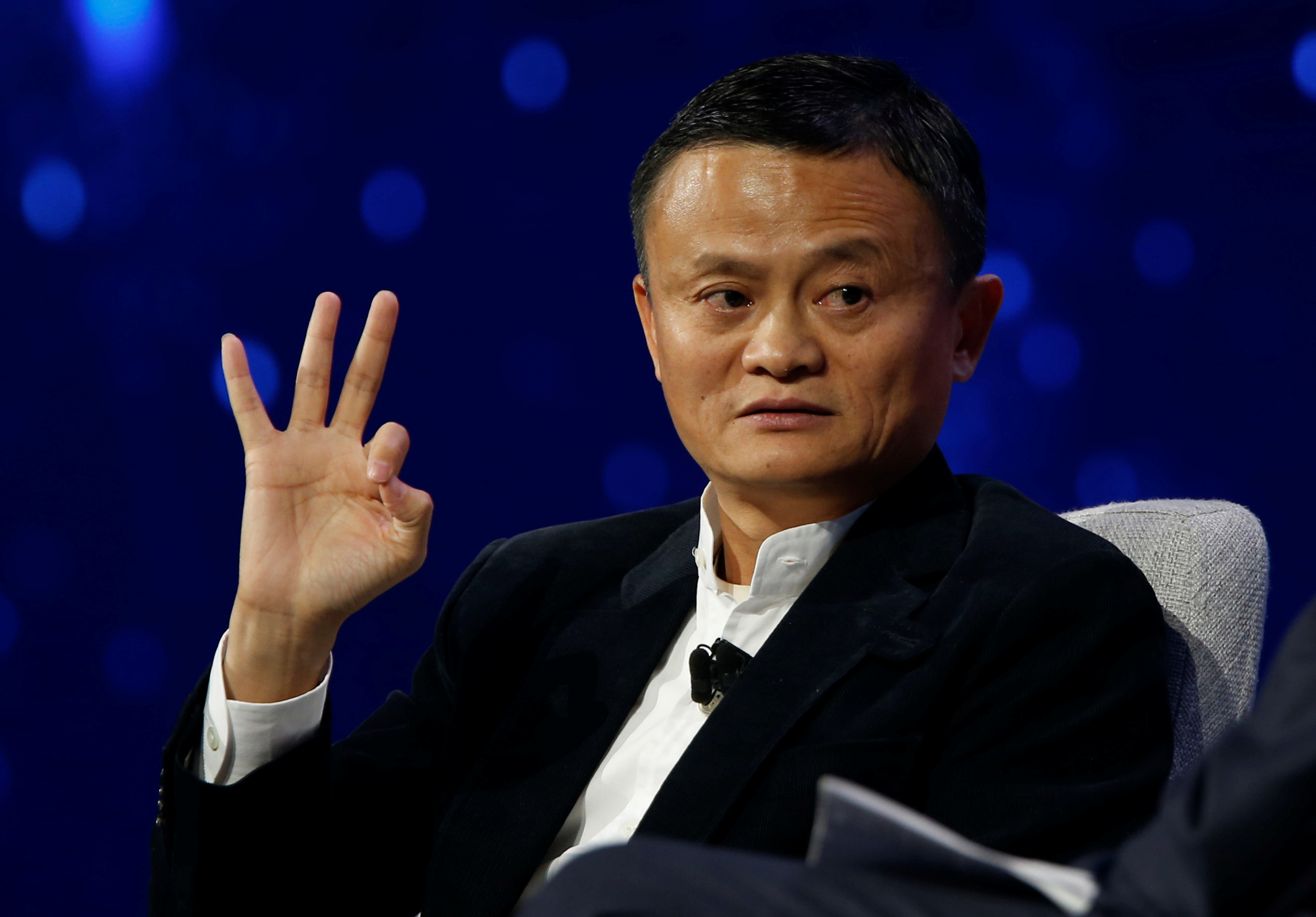 Jack Ma, Founder and Executive Chairman, Alibaba Groups, talks with American television host Charlie Rose during the inaugural Gateway 17 event at Cobo Center in Detroit, Michigan, U.S., June 20, 2017.   REUTERS/Rebecca Cook - RTS17XX7